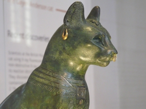 Model of the goddess Bastet, photo taken at the British Museum
